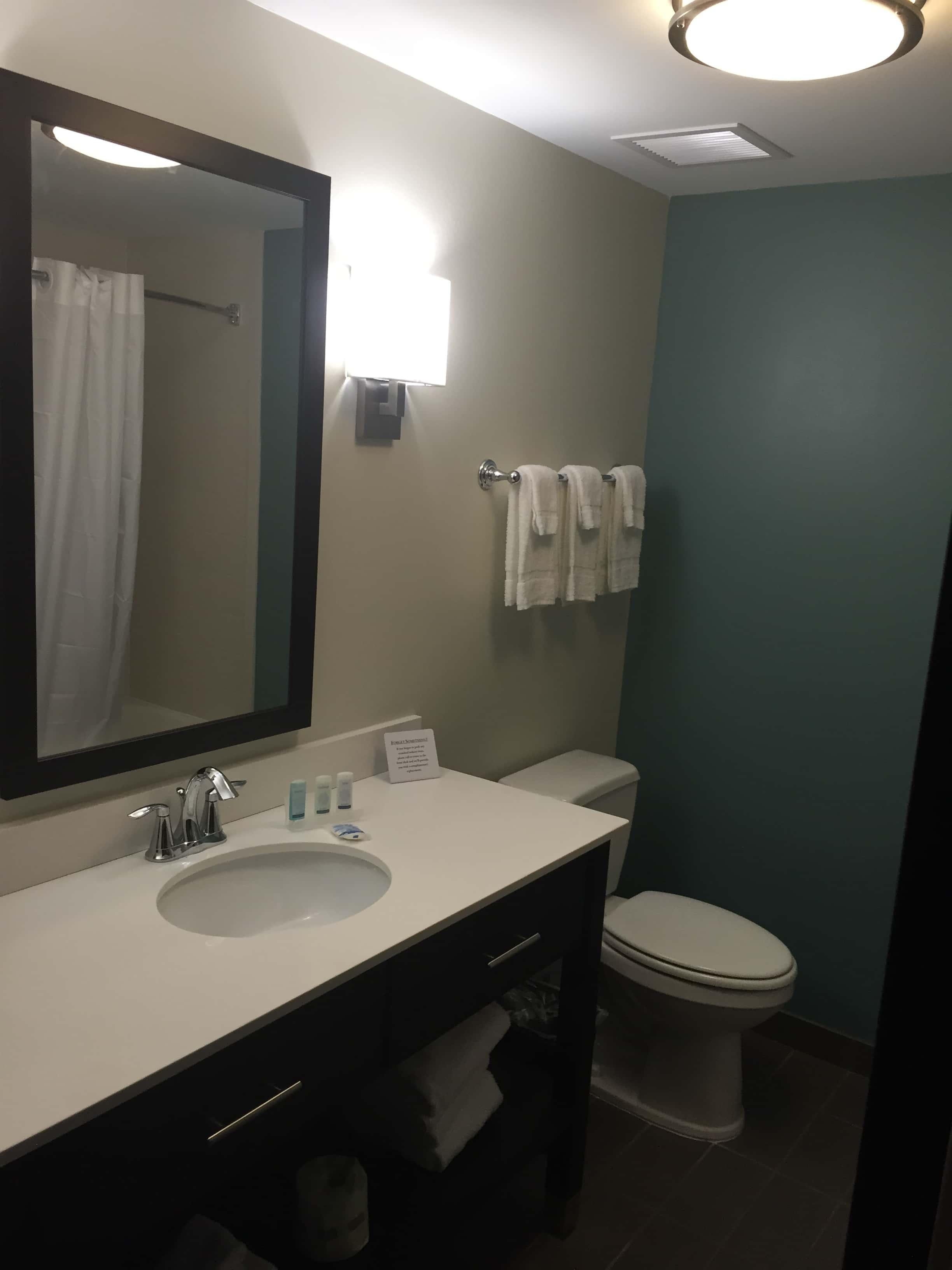 Sleep Inn bathroom-min